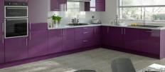 Интерьер кухни цвета баклажан
