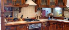 Интерьеры кухни из массива дерева