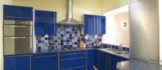 Акриловые фасады на кухне – это красиво!