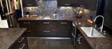 Кухня в кофейном или шоколадном цвете