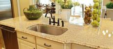 Каменная столешница для кухни: выбираем и устанавливаем