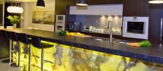 Какие бывают барные стойки для кухни: виды и особенности