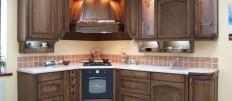 Деревянная мебель для кухни: варианты дизайна и установки