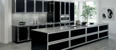 Черный кухонный гарнитур – изящное дополнение дизайна