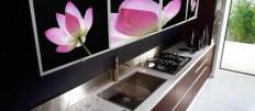 Выбираем мебель для кухни со стеклянными фасадами