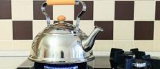 Способы эффективно очистить чайник от накипи