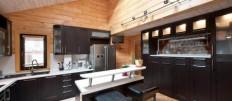 Какой сделать кухню в доме из бревна: интерьерные решения
