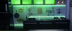 Виды оформления подсветки фартука на кухне