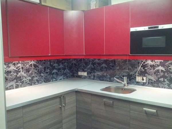 скинали и стеклянные фартуки для кухни (20)