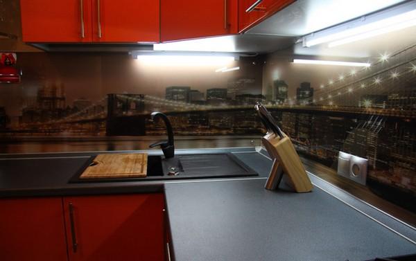 скинали и стеклянные фартуки для кухни (15)