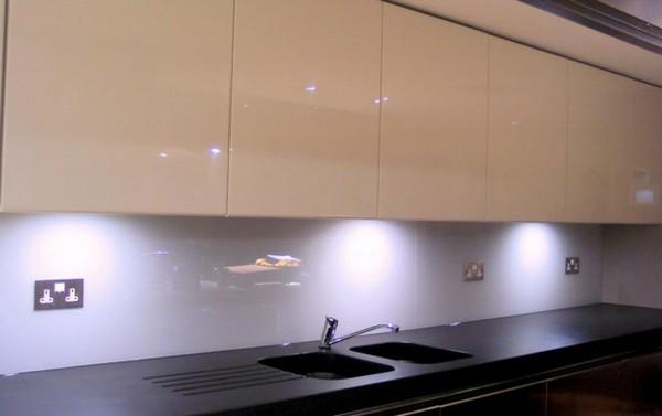 скинали и стеклянные фартуки для кухни (8)