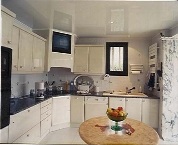 потолки из гипсокартона на кухне (7)
