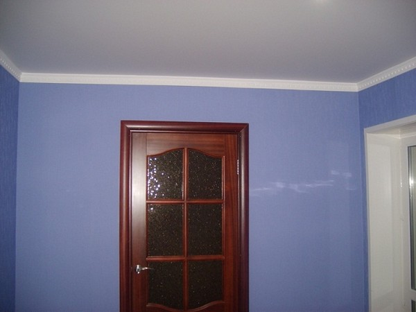 натяжные потолки на кухне фото (9)