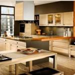 Оранжевая кухня в интерьере на фото