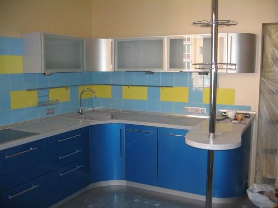 голубые кухни на фото