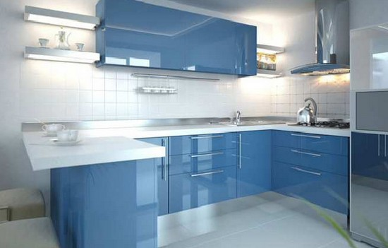 на фото голубая кухня