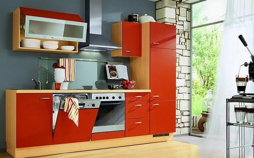 на фото кухня красного цвета