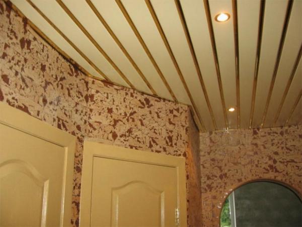 фото реечного потолка