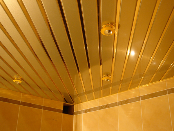 реечные потолки на кухне