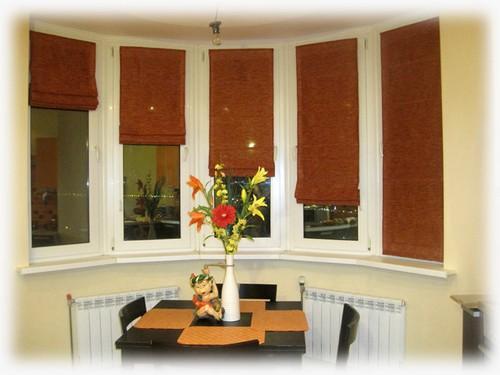 на фото римские шторы