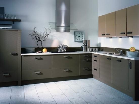 на фото кухня серого цвета