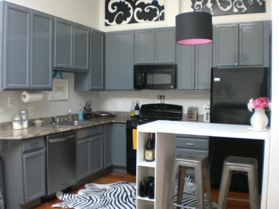 серая кухня на фото