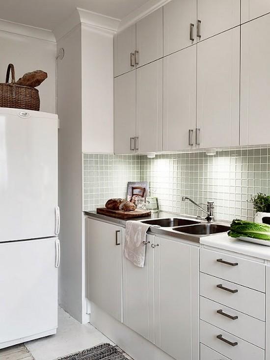 Белый интерьер кухни