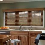 Жалюзи на кухонные окна в интерьере