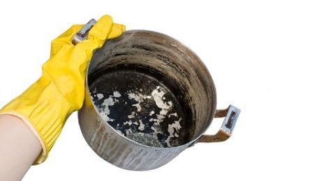 Что делать с эмалированной кастрюлей у которой лопнула эмаль в Саргатском,Подгоренском