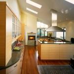 Паркетная доска на кухне: отзывы домохозяек