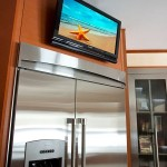 Как выбрать телевизор на стену кухни: обзор вариантов