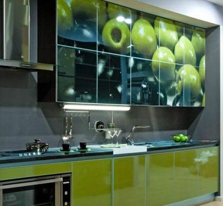 Кухня с изображением яблок