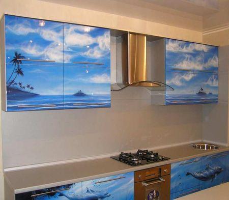 Кухня с фотопечатью моря