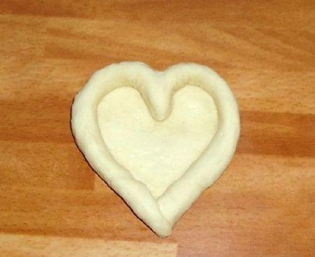 Как из теста сделать булочки сердечки